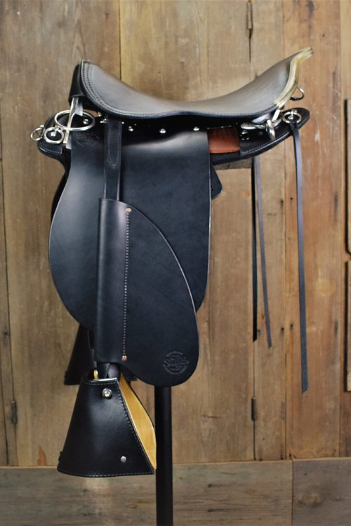 Black Pro Trainer w/rawhide cantle binder
