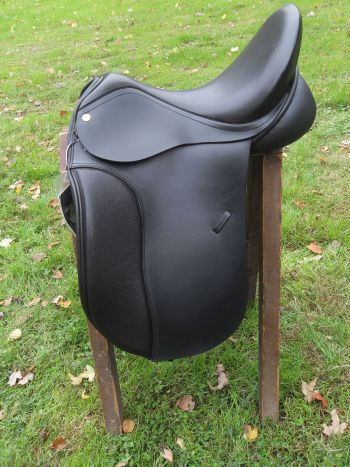 HD Classic Dressage Left Side