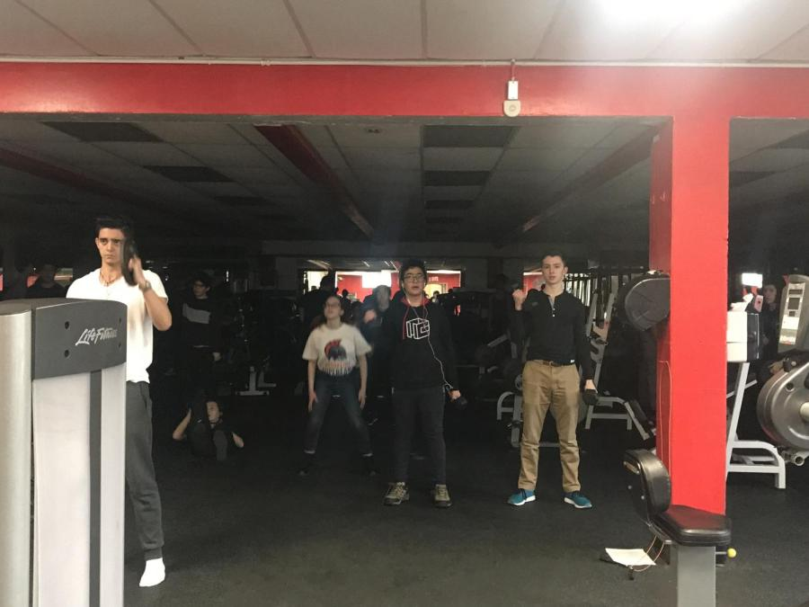 Students+participate+in+a+variety+of+different+exercises+during+Revolution+Class.+According+to+junior+Zach+Fischer%2C+the+health+class+wakes+him+up+in+the+morning+and+gives+him+energy.