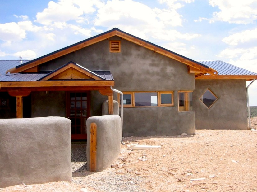 "An early off grid straw bale ""spec"" house."