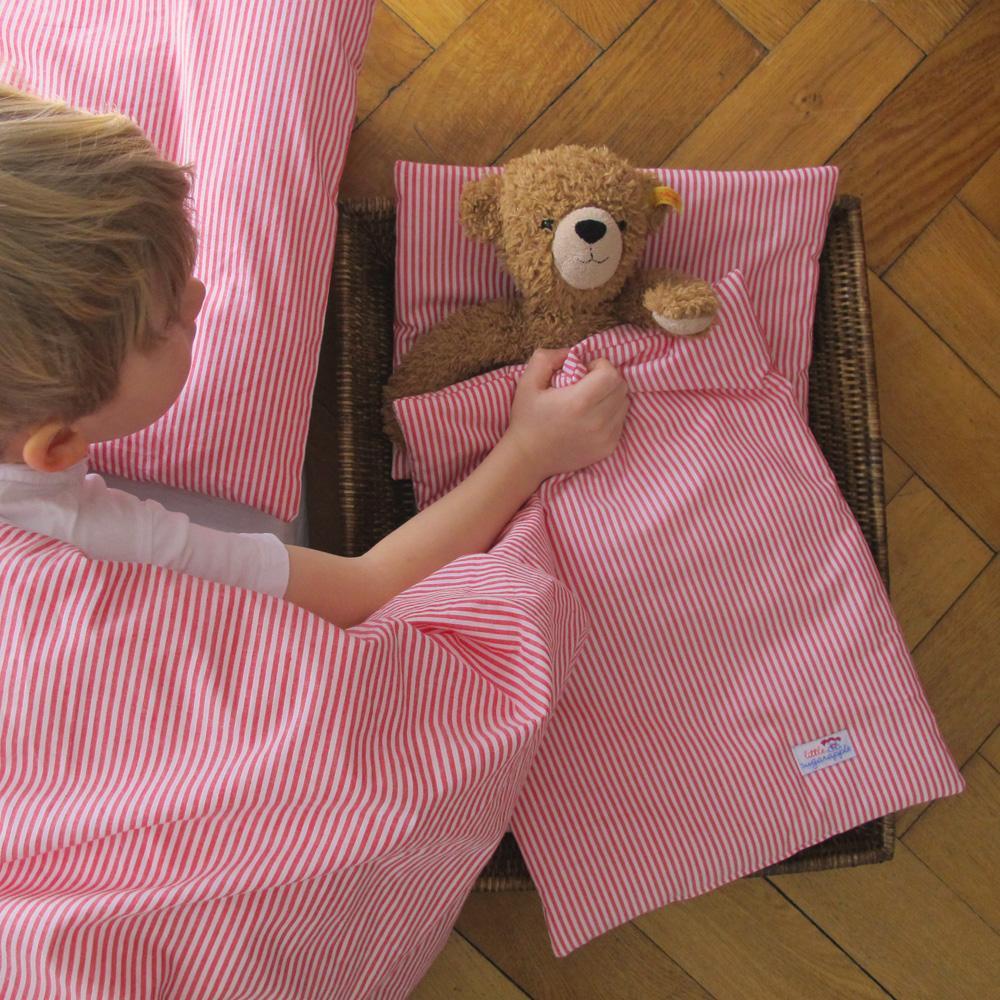 Geschwisterbett - Teddy zu Bett bringen