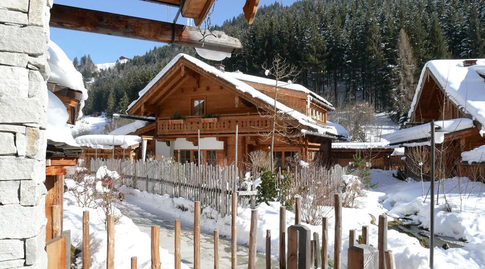 Familienchalets mit Hotelservice - Feriendorf