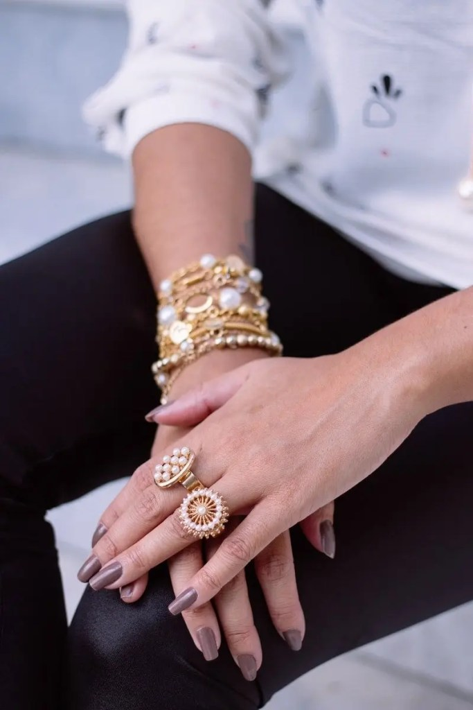 How can you go wrong with jewellery? photo credits: unsplash.com