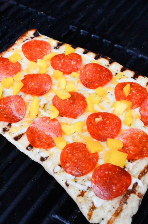 Delicious easy flatbread pizza made on the grill! 5