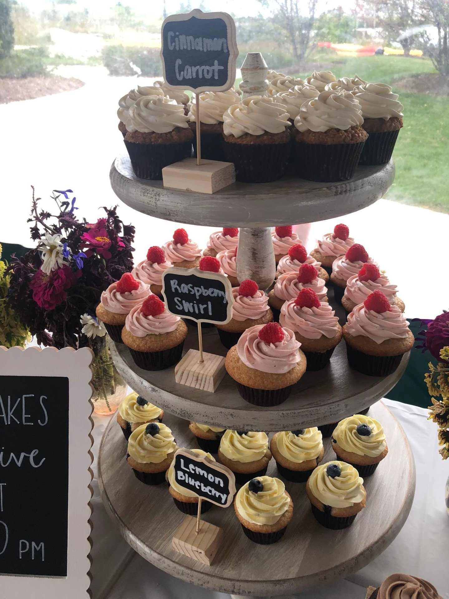 Vegan Cupcakes for Crystal Lake, Illinois Wedding