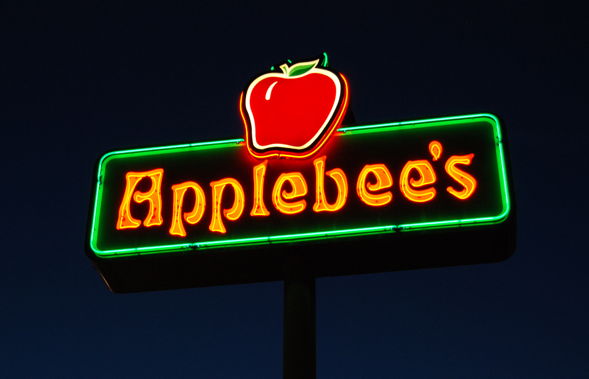 Applebees makes changes after mistakenly giving toddler