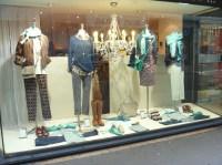Street Style Paris: Window Shopping Style | thesarahsstyleblog