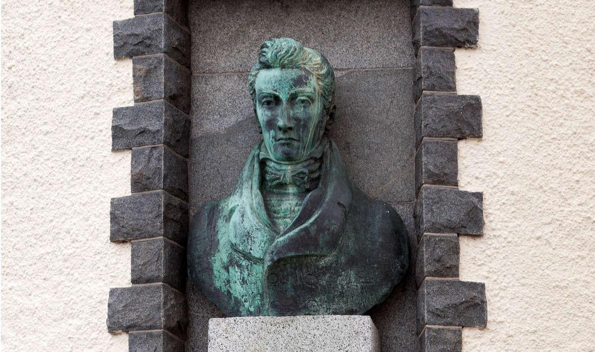 Bust of Thomas de la Rue