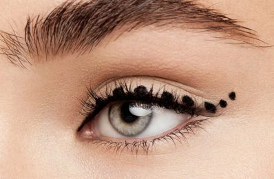 how to apply liquid eyeliner