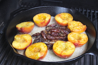 amaretto-caramelized-peaches-and-dates-recipes-4