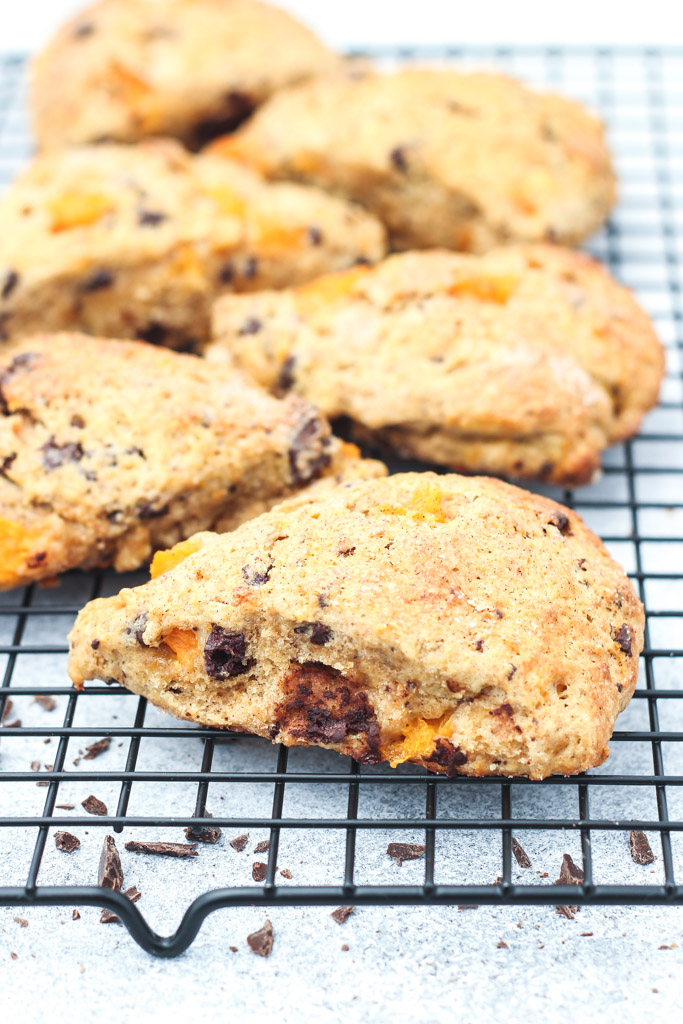 Dark chocolate apricot and cardamom scones