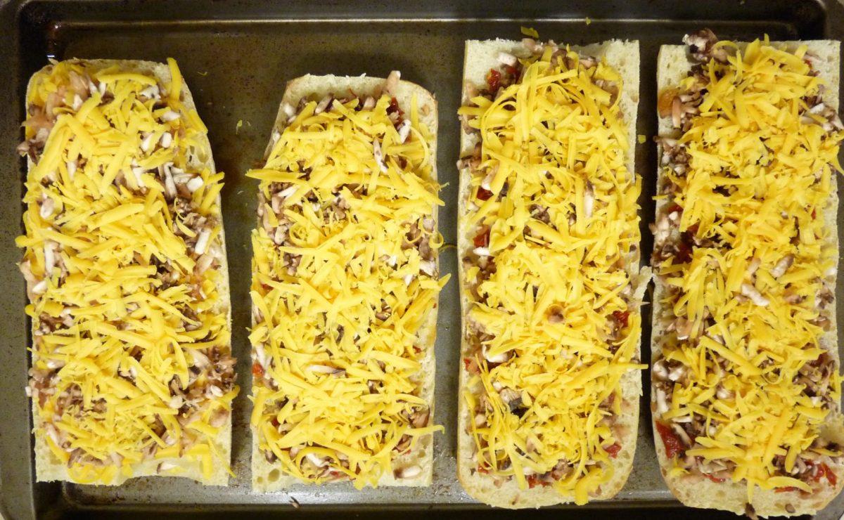 Yummy Polish Zapiekanka You Can Easily Make At Home!