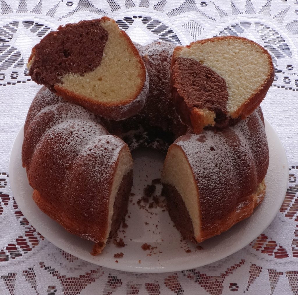 Step-by-step Easter bunt cake recipe