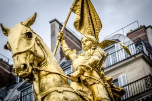 Forever French! A French Quarter Tour In French! New Orleans Tours by The Savvy Native. Over 20 Different Ways to See New Orleans. Historically Accurate, Entertaining, Memorable and Always a Good Time! That's New Orleans with The Savvy Native. New Orleans' Best Tour Experience!