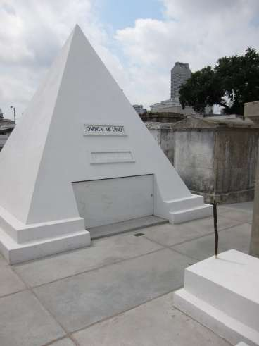 Nick Cage Tomb - St. Louis Cemetery #1