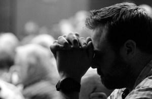crowd_prayer_1000_650_s_c1