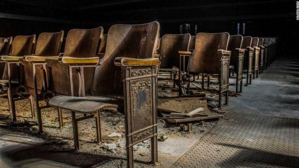 http-i2.cdn.cnn.comcnnnextdamassets170814114542-abandoned-new-orleans-seats-exlarge-169