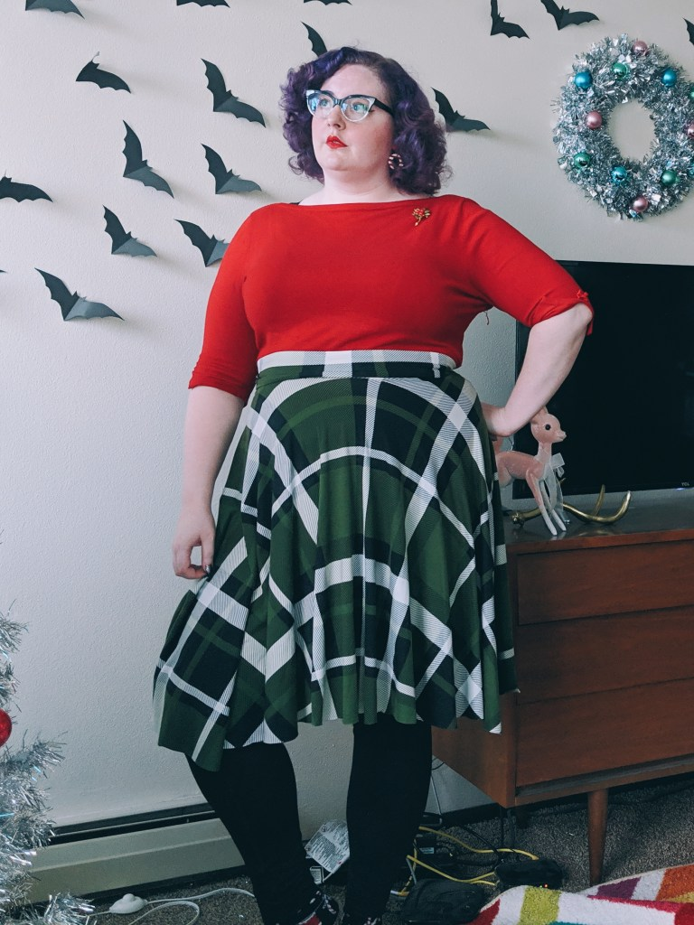 7ee8c79430582 I mostly bought this skirt for its Slytherin possibilities