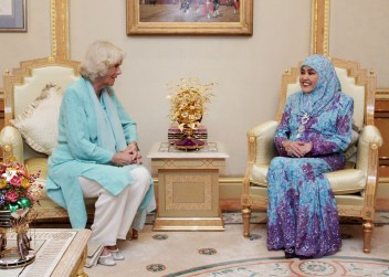 HRH the Duchess of Cornwall in an audience with HM the Raja Isteri at Istana Nurul Iman. Photo: Infofoto