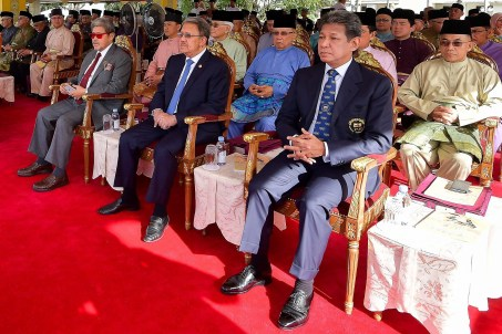 L-R (front row): HRH Prince Mohamed Bolkiah, HRH Prince Haji Sufri Bolkiah, HRH Prince Haji Jefri Bolkiah