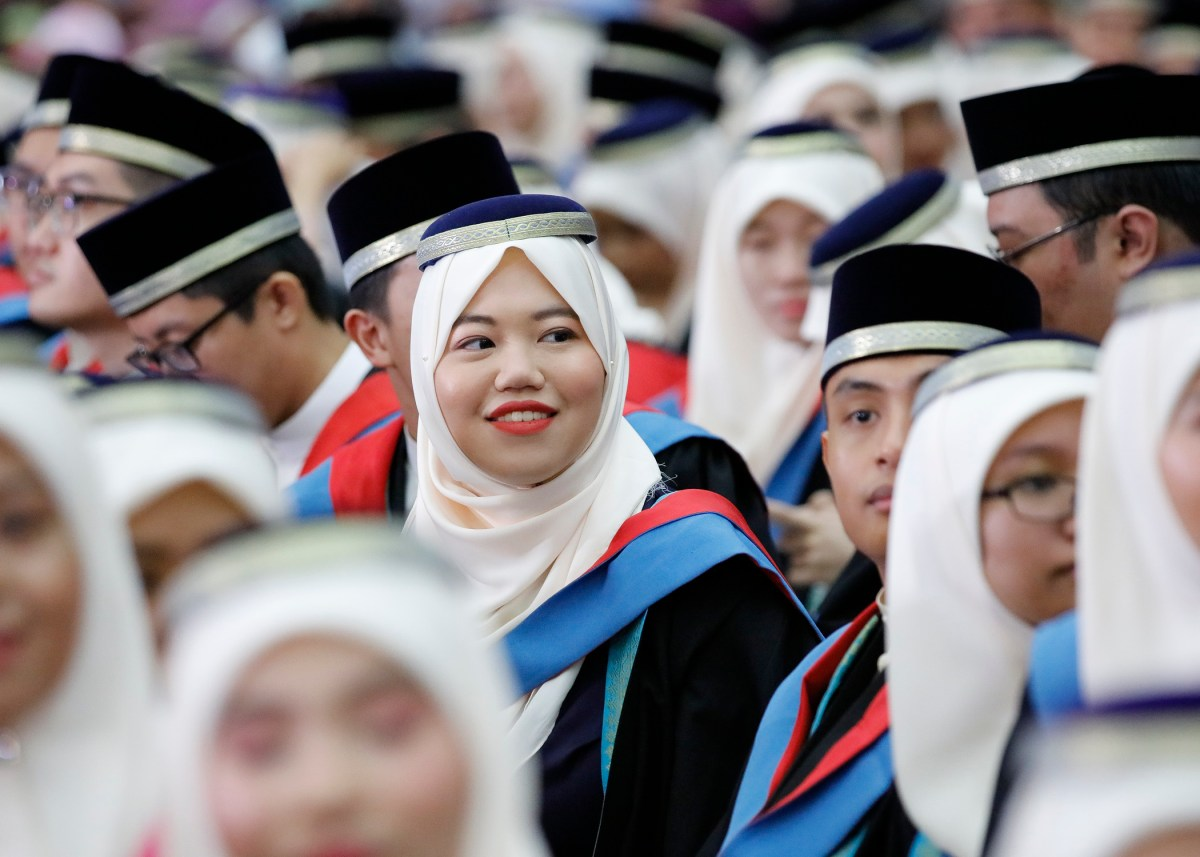 Anxiety looms over lack of employment opportunities for graduates