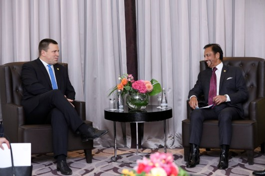 HM Sultan Haji Hassanal Bolkiah (R) during a bilateral meeting with Prime Minister of Estonia Juri Ratas at the Wiltcher's Steigenberger Hotel in Brussels on Oct 18, 2018. The two leaders discussed global affairs focusing on security and economic opportunities, as well as collaboration in the fields of e-government and cybersecurity. Photo: Infofoto