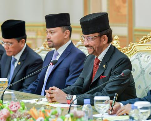 HM the Sultan (R) and HRH the Crown Prince (C) during a bilateral meeting with South Korean President Moon Jae-in held at Istana Nurul Iman on March 11, 2019. Photo: Infofoto