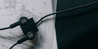 bang & olufsen scout life beoplay h5 2