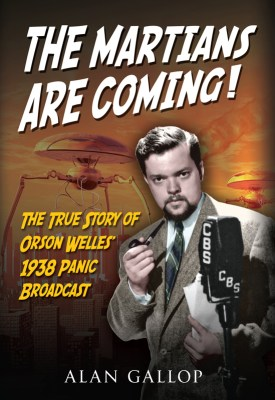The Martians are coming! - Orson Welles and Superman teaming up to save the world!
