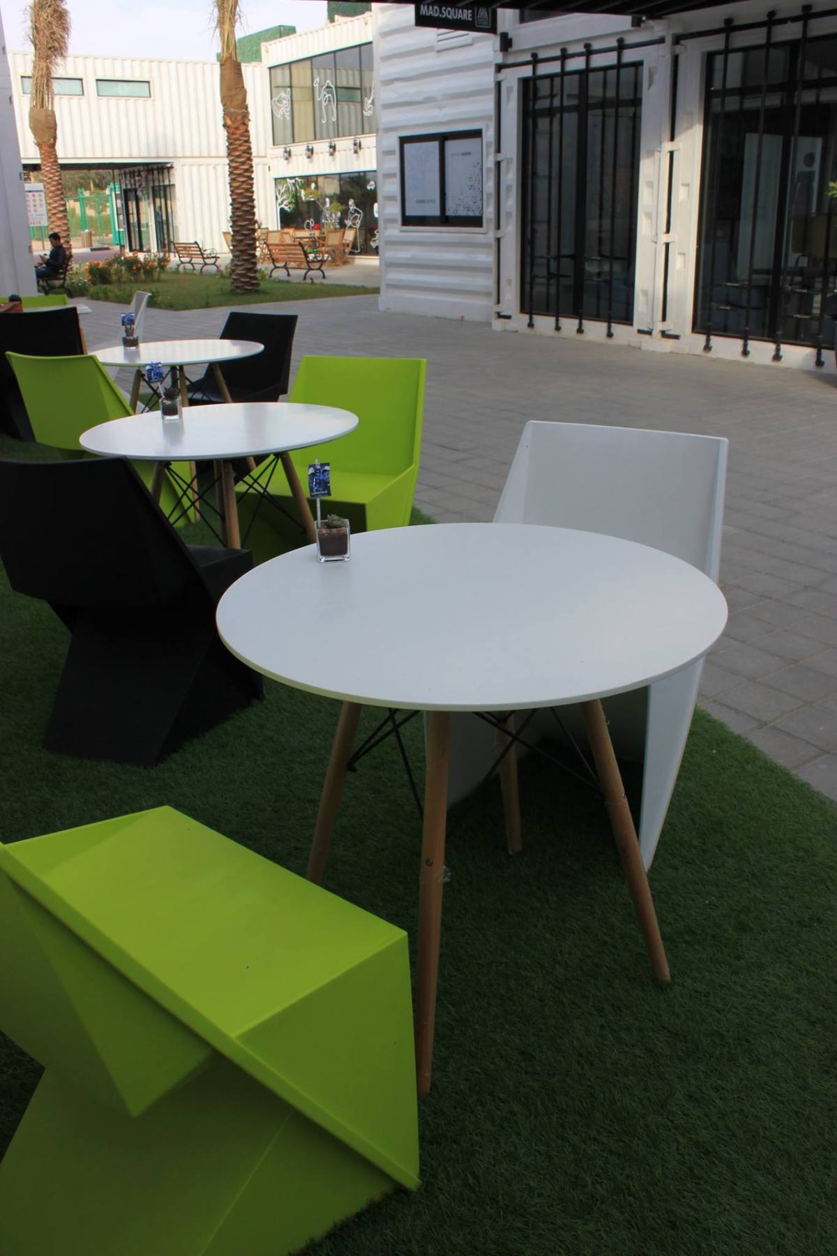 TS_OutdoorSeating