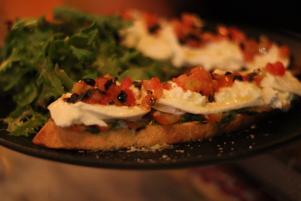 Matto_Bruschetta with Burrata