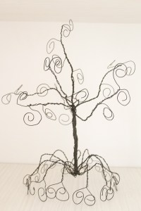 DIY Jewelry Holder Tree made out of wire
