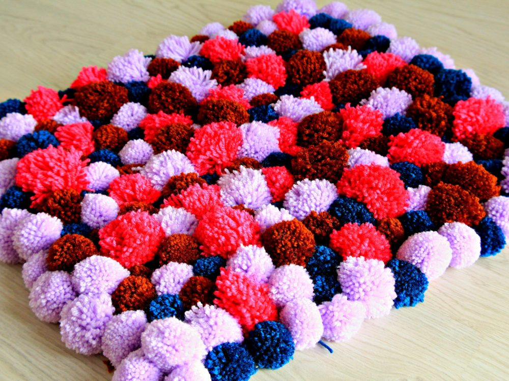 DIY Pom Pom Rug