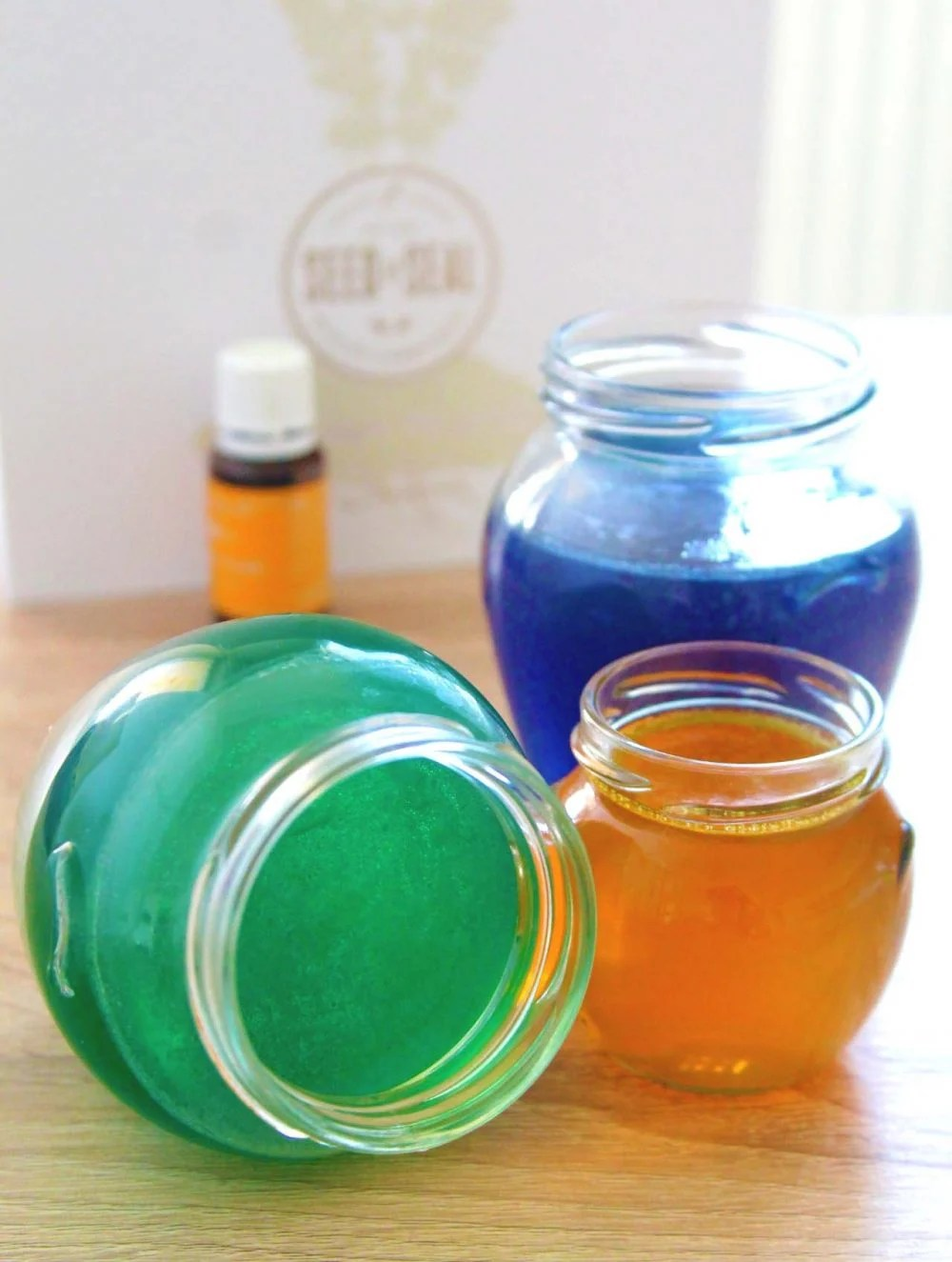 This gel air freshener is useful, affordable and so easy peasy to make!
