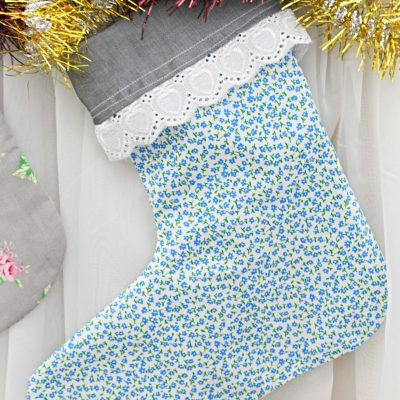 How to make a charming, most simple Christmas stocking ever – with video