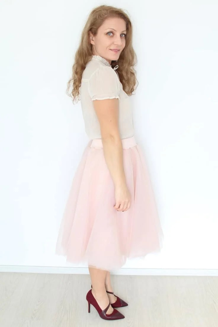How to make a tulle skirt with layers