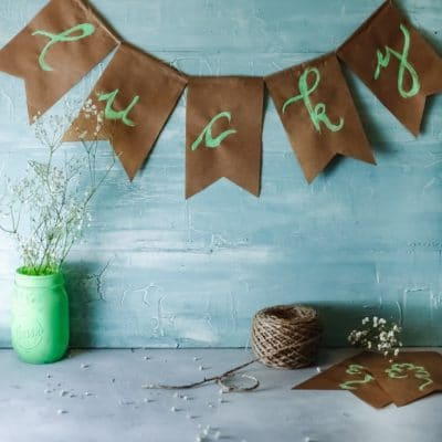 Easy St Patrick's day banner you will want to make today!