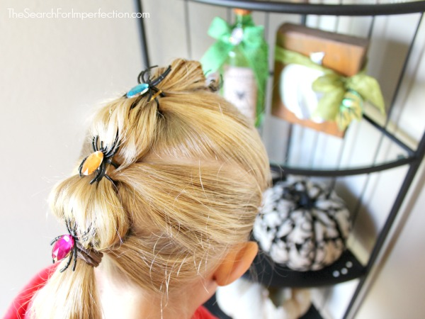 Spider Bubble Braid Halloween Hair Tutorial