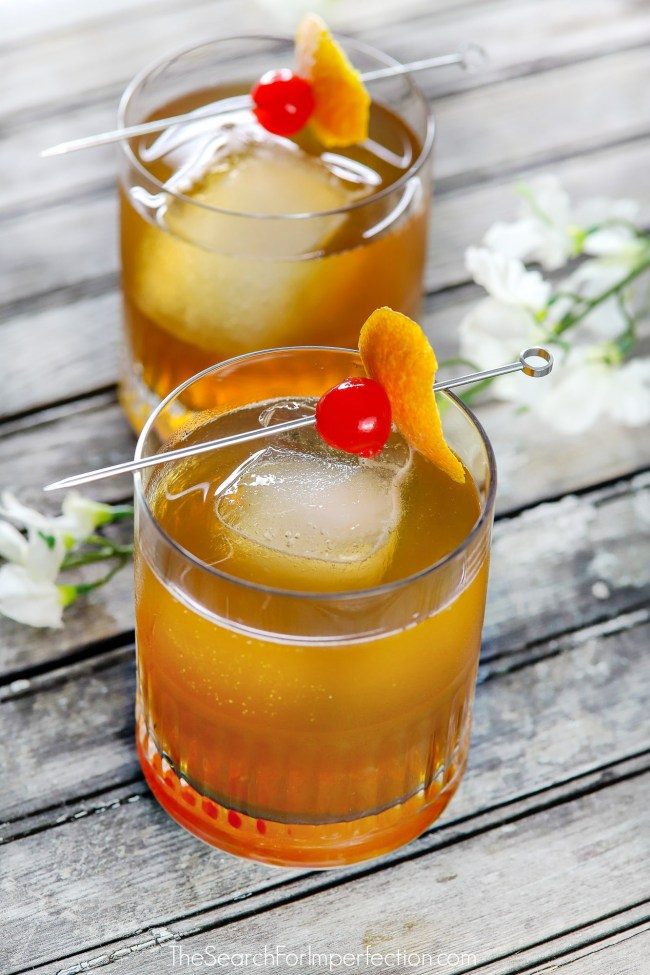 This Orange Pale Ale Manhattan Beer Cocktail is so delicious. The apple cherry spiced syrup isn't necessary but makes it! #beercocktail #autumncocktail #thesearchforimperfection