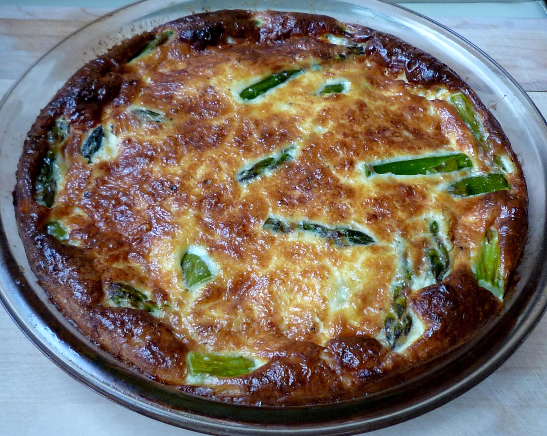 Easy Crustless Asparagus Quiche