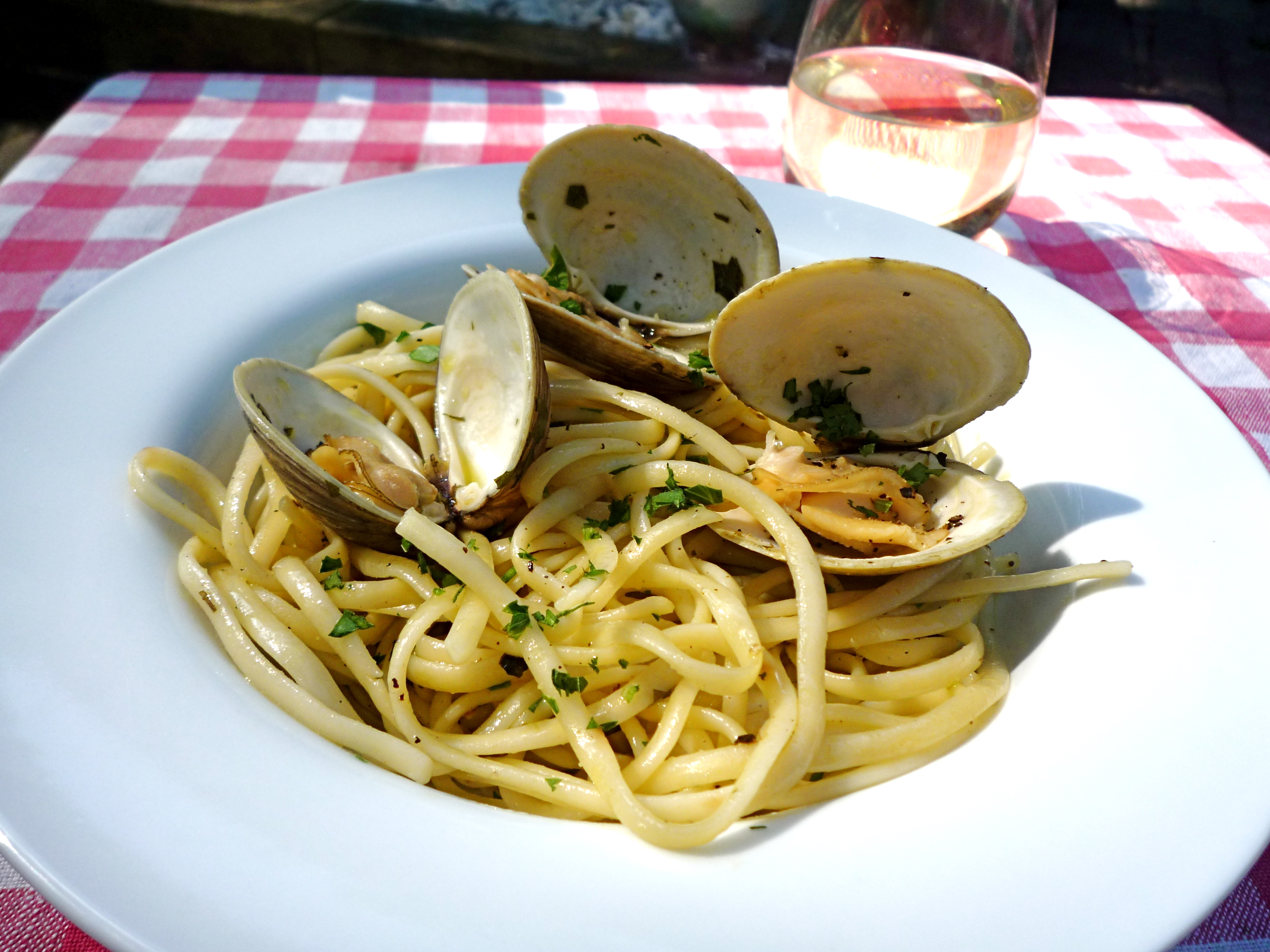 Linguine with clams + a glass of wine = the perfect meal!