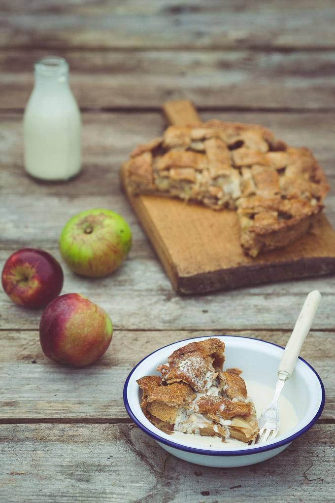 Apple Pie -- Seasonal Food | https://theseasonaltable.co.uk/sweet/apple-pie/