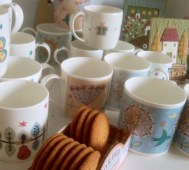 Mugs & biscuits