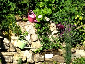 Hawes Watering can water feature