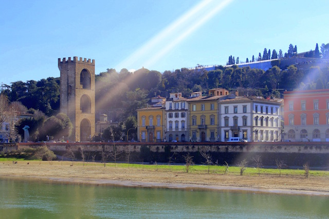 Florence itinerary: a walk on the Arno river banks