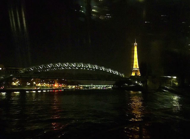 Unique dinner experience in Paris: River cruise dinner in Paris