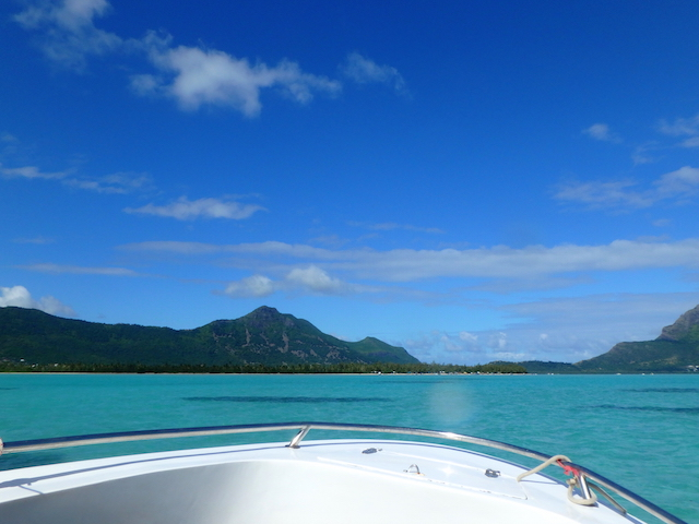 Boat trip to Benitiers island in Mauritius