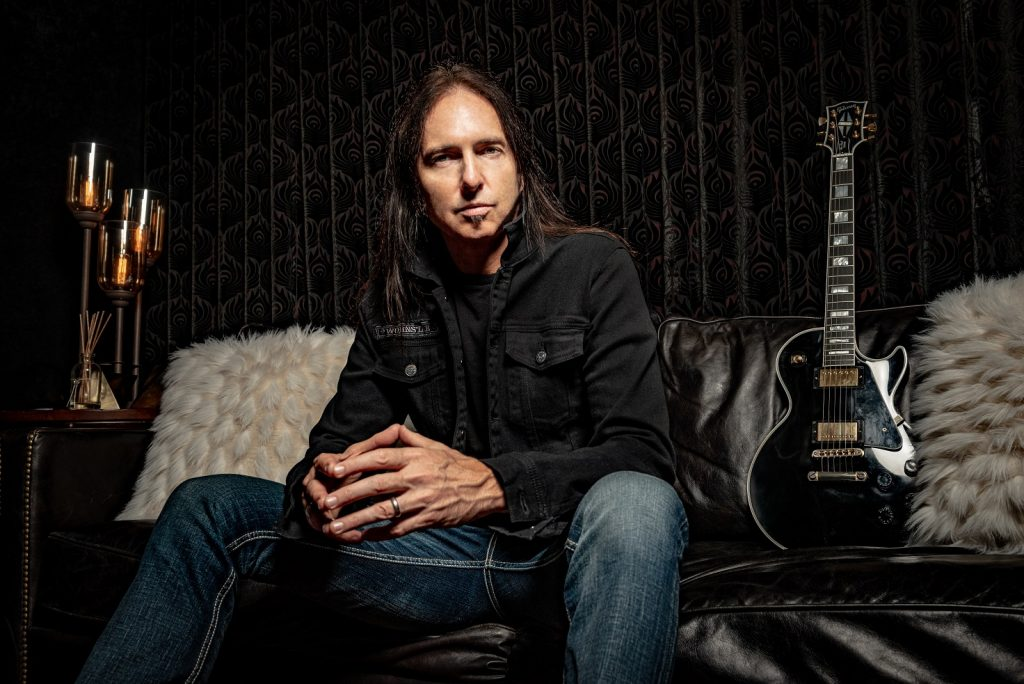 Interview with former Alice Cooper guitarist Damon Johnson