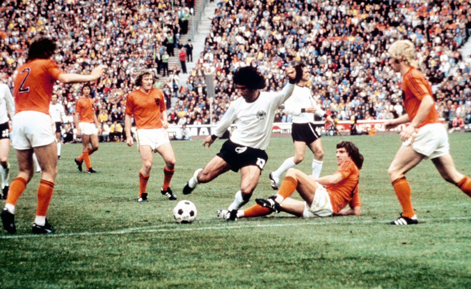 How Gerd Müller's 1971/72 season propelled him to greatness