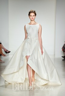 Anne Barge Wedding Dress - Fall 2015 Collection / Photo: brides.com